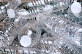 Plastipak: Chemisches Recycling von PET in Italien